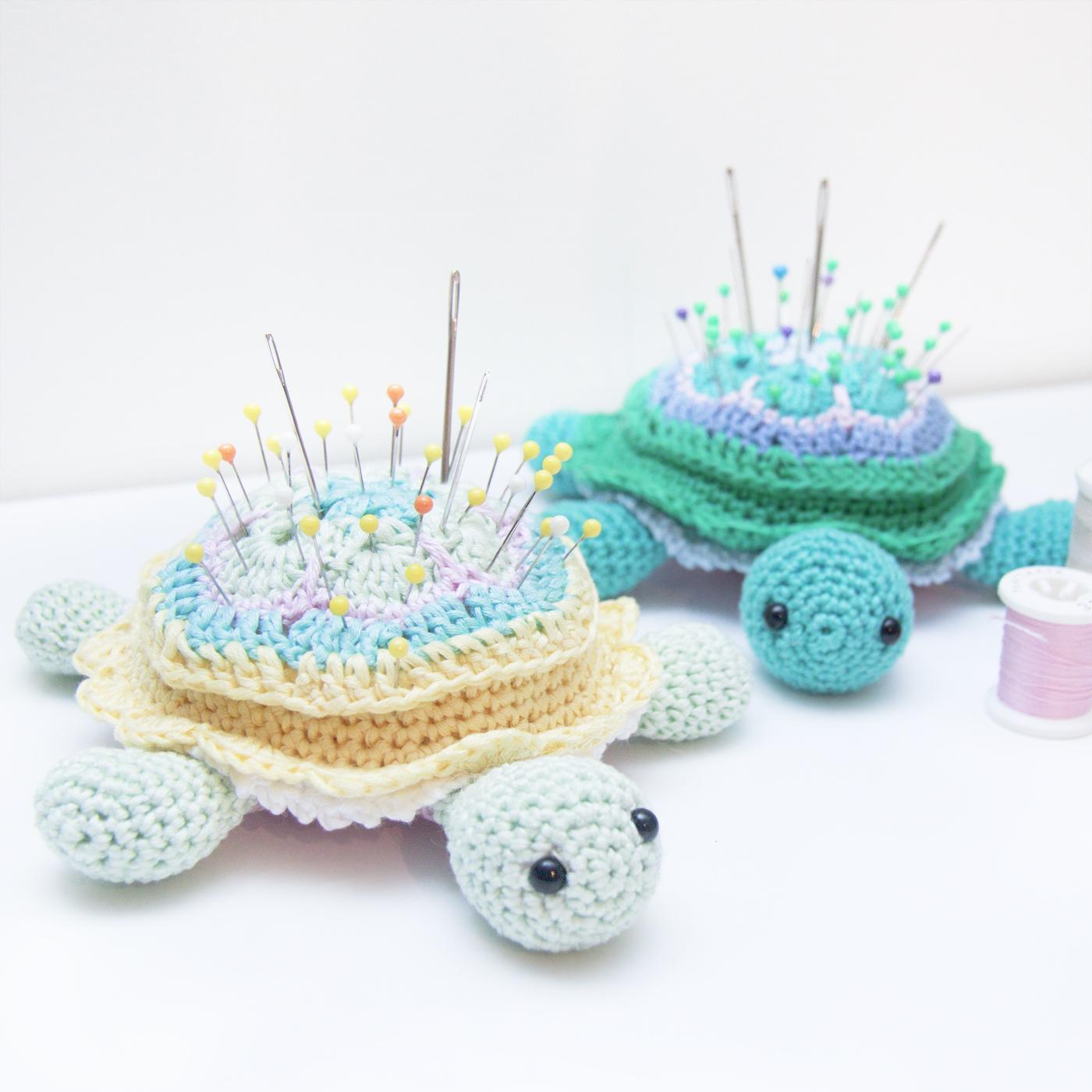 Crochet African Flower pincushion free pattern - Tina Turtle