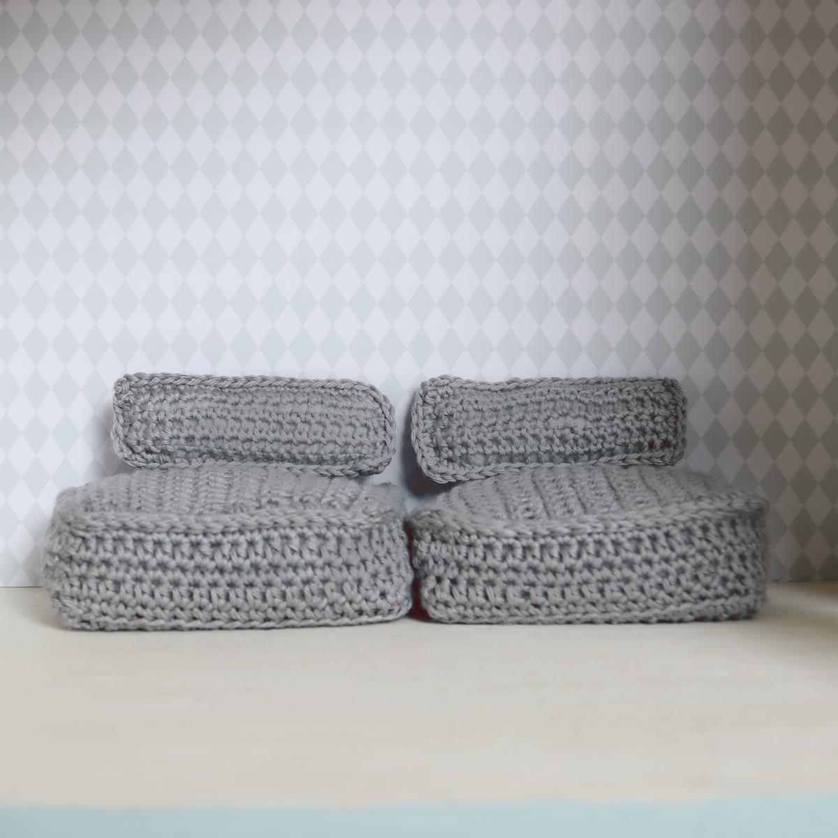Crochet modern couch (